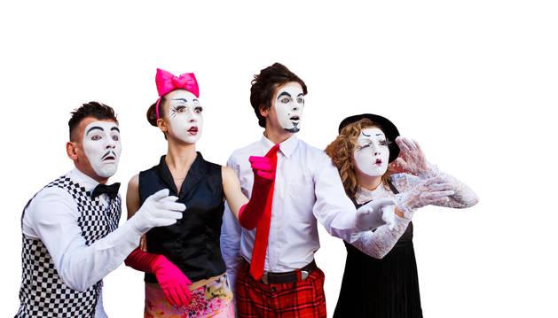Un grupo de teatro de la Muestra de Teatro de Aquí.