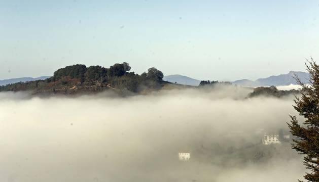 Niebla ayer al mediodía desde las palomeras de Etxalar.