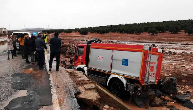 Fotos de las fuertes lluvias que han causado numerosas incidencias durante este domingo en Málaga.