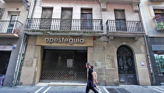 Local de Muebles Apesteguía, a donde se ha trasladado la actividad de Plazara! mientras duren las obras en el palacio Redín y Cruzat.