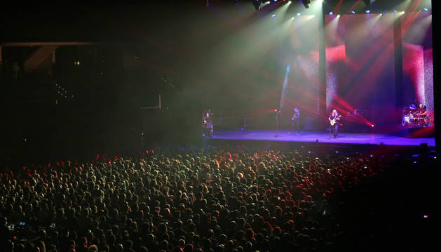 Unas 4.500 personas asistieron en el Navarra Arena al concierto de Rosendo.