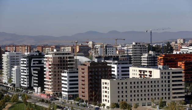 El barrio de Lezkairu, con sus bloques de pisos nuevos.