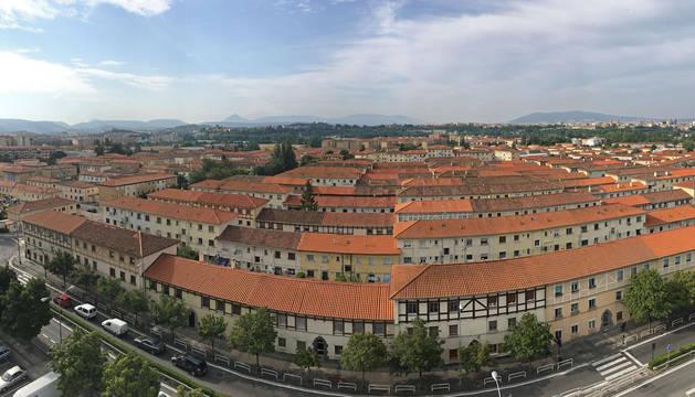 Vista general de bloques de viviendas del barrio de la Txantrea.