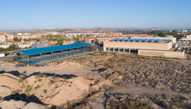POSIBLE UBICACIÓN Imagen de las piscinas cubiertas y sus alrededores, lugar que se baraja para construir las nuevas instalaciones.