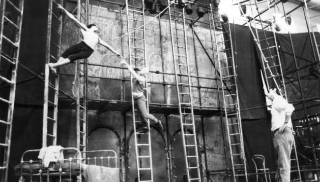 """El 12 de septiembre de 1980 se celebró la actuación de Lindsay Kemp con la coreografía """"Flowers""""."""