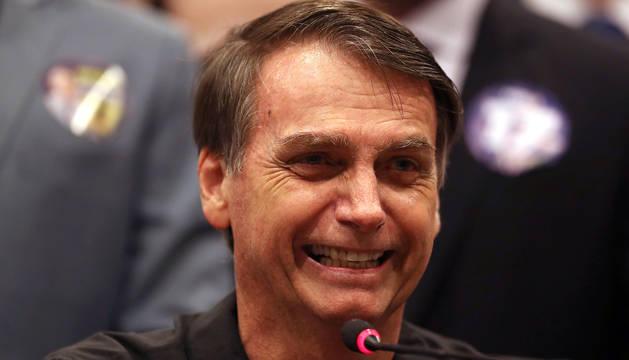 El candidato ultraderechista del partido PSL a la presidencia de Brasil, Jair Bolsonaro, durante una rueda de prensa en Río de Janeiro.