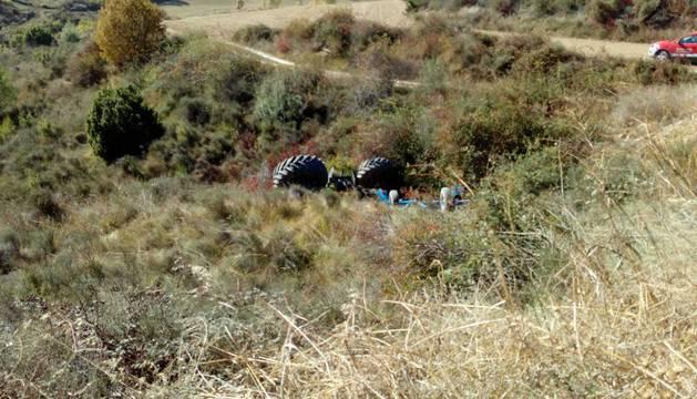 El conductor del tractor ha fallecido en el acto
