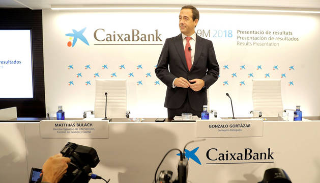 El consejero delegado de CaixaBank, Gonzalo Gortázar, antes del inicio de la rueda de prensa de presentación de los resultados económicos correspondientes a los nueve primeros meses de 2018.