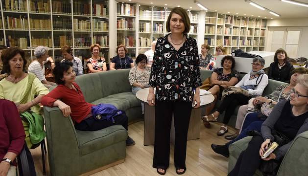 Clara Usón, en el club de lectura de Diario de Navarra