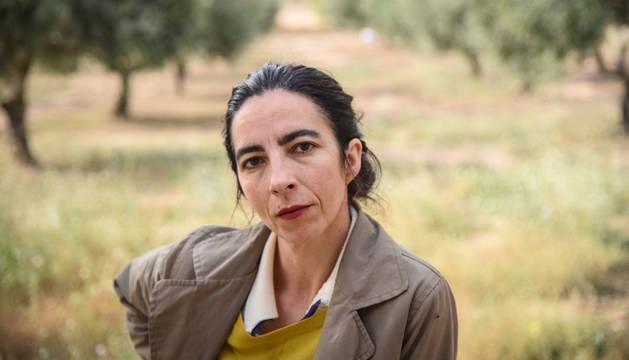 """Estitxu Arroyo en """"el foro"""", un terreno propiedad de su familia de las afueras de su Cintruénigo natal."""