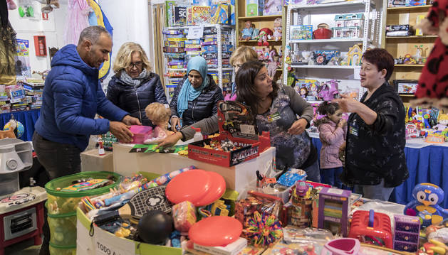 El puesto de juguetes usados, uno de los más atractivos para los niños de esta edición del rastrillo de Nuevo Futuro.