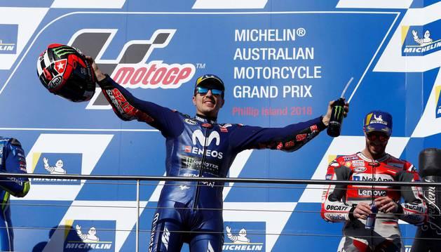 Viñales aprovecha la ausencia de Márquez y gana en Australia
