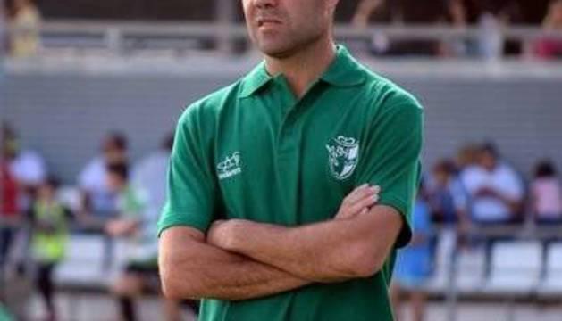 Iván Rosado es el actual entrenador del Atlético Onubense.