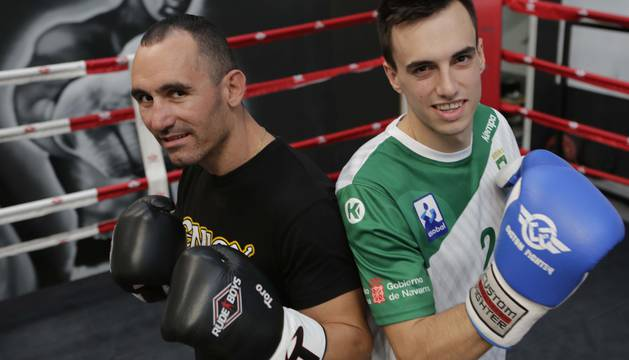 Rubén Díaz y Álvaro Gastón, en el ring de boxeo.