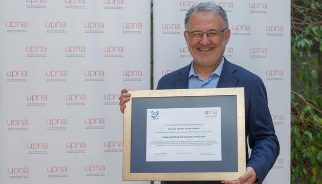 La UPNA distingue a José Antonio Arrieta como embajador de calidad