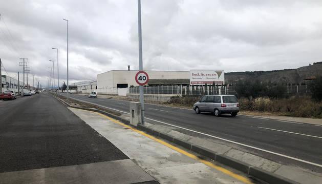 A la izquierda, el área de la tercera fase de mejora en La Currilla y a la derecha, la zona donde esta situada la superficie a desarrollar.
