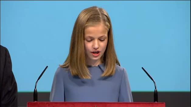 La princesa Leonor se estrena con la lectura del artículo 1 de la Constitución
