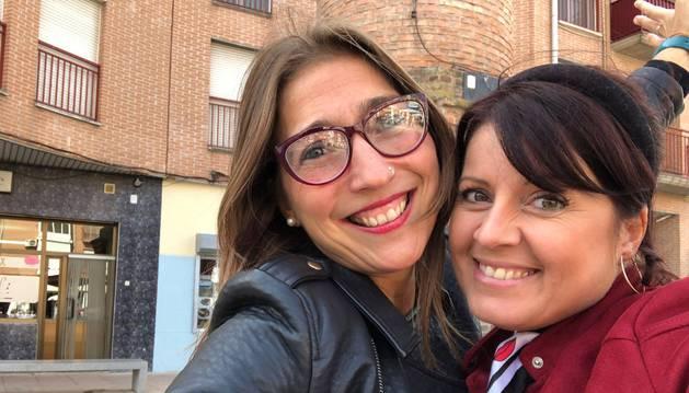 Saioa Vázquez y Veska Angelona comparten el selfie que se sacaron tras concluir esta entrevis