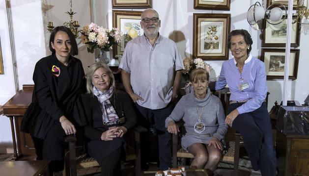 Desde la izqda., Gloria Cuartero Rudi, Arantxa Careaga Mata, Jacinto Yerro San Juan, Marian Fernández Crhuet y Marian Iriarte Urdánoz.