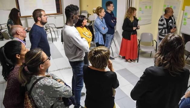Los vecinos participantes en el proyecto 'DN más cerca' han visto clave trabajar para mejorar la convivencia intercultural