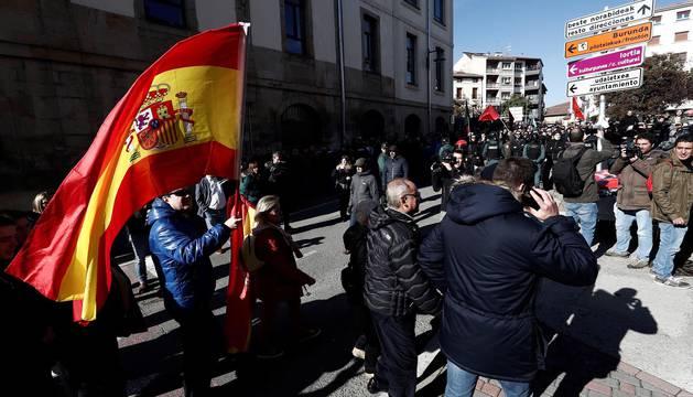 Tensión en las calles de Alsasua por un acto conjunto de Ciudadanos, PP y Vox