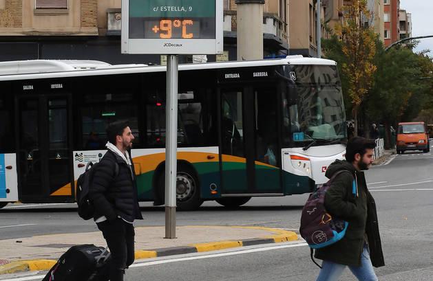 Un termómetro en una de las calles de Pamplona.