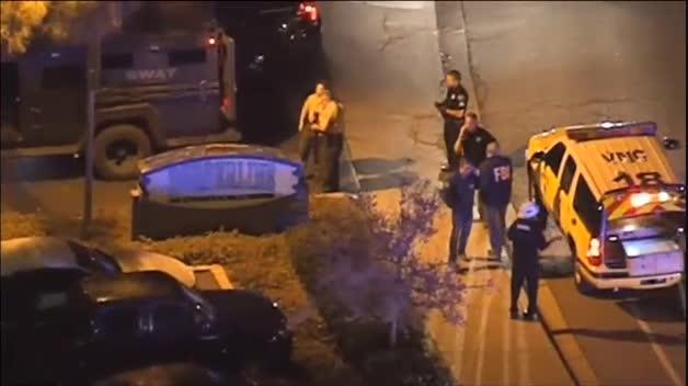 Al menos 12 muertos en un tiroteo durante una fiesta universitaria en California