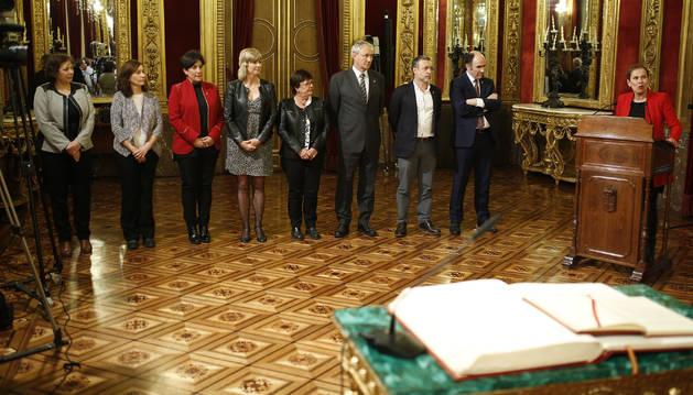 Barkos y su Gobierno, en abril de 2017, cuando María Solana tomó posesión de su cargo de consejera de Educación.
