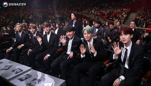 El grupo BTS en una imagen compartida en su cuenta oficial de Twitter.