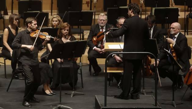 Un momento del concierto, con Mikhail Ovrutsky al violín.