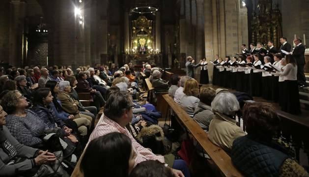La Coral de Cámara de Pamplona durante el concierto de este sábado de la Fundación Diario de Navarra.