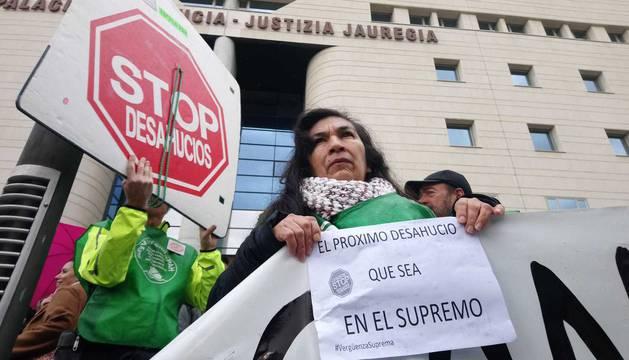 Foto de las protestas contra el fallo del Supremo por el impuesto de las hipotecas