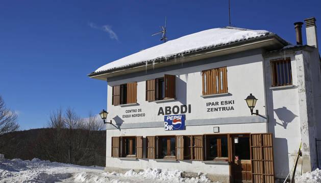 Salazar y Gobierno prevén terminar en 2019 el nuevo centro de esquí