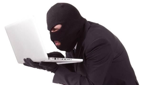 Policía Foral investiga 700 delitos informáticos, la mayoría estafas