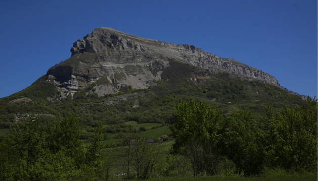Muere una mujer tras caer desde una altura de 200 metros en Monte Beriáin