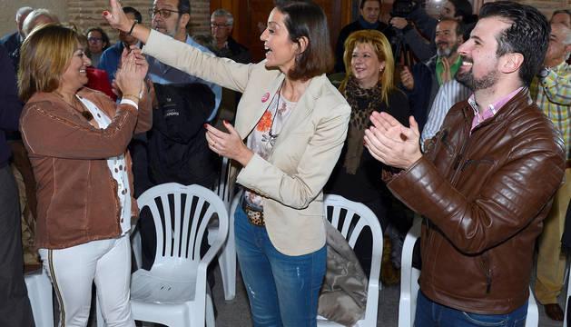 Maroto saluda durante un acto socialista en Medina del Campo.