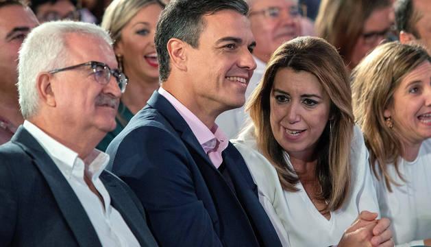 Pedro Sánchez y Susana Díaz, en un mitin en Chiclana de la Frontera (Cádiz).
