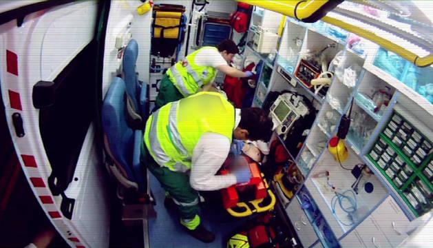 Interior de una ambulancia.