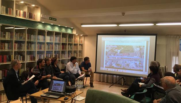 EN DIRECTO: Políticos, policías, taxistas y padres, en el debate sobre atropellos en Pamplona de Diario de Navarra