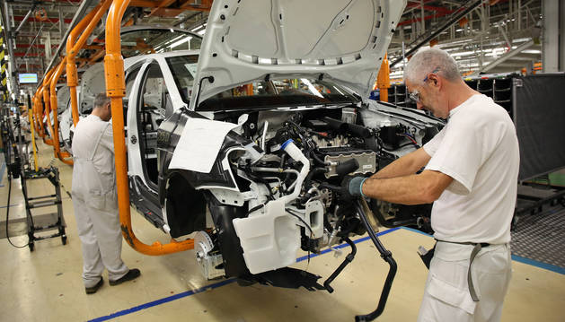 Por cada operario menor de 30 años en la factoría de Landaben hay más de diez que superan los 49 años.