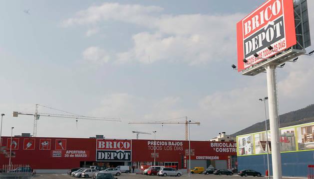 Brico dep t planea cerrar sus 27 centros en espa a entre for Bricodepot pamplona catalogo