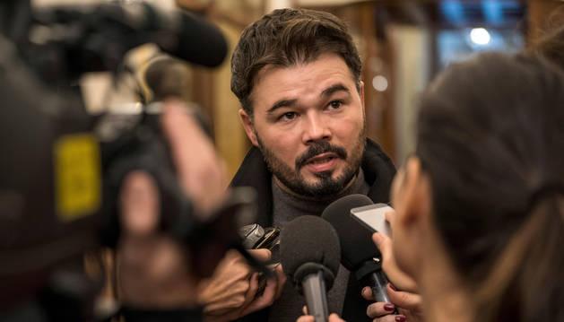 Rufián, en el pasillo del Congreso.