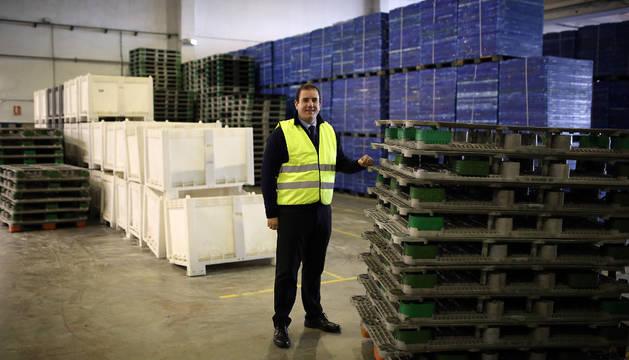 Miguel Díaz Castillo, consejero delegado de Plastic Repair System (PRS) 2011, en las instalaciones de la empresa en Talluntxe.