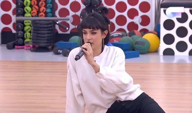 Natalia vuelve a sorprender en el primer pase de micros con 'Bang Bang'