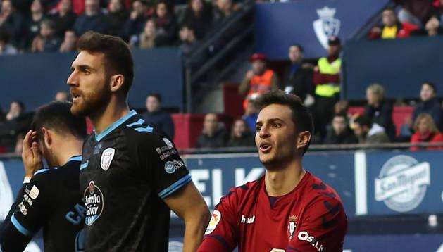 Villar gesticula durante el partido ante el Lugo