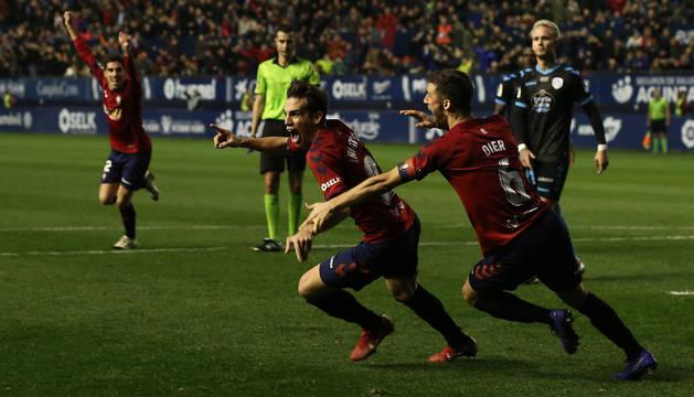 Iñigo Pérez celebra el gol de la victoria