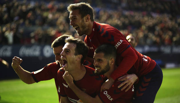 Iñigo Pérez, en éxtasis tras anotar el gol