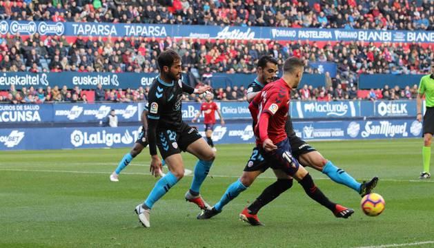 Imagen de un momento del partido entre Osasuna y Lugo.