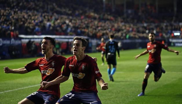 Los jugadores de Osasuna lograron la victoria en la Jornada 16 tras derrotar por la mínima, en el estadio de El Sadar y con un gol de Íñigo Pérez en el minuto 89, al Lugo.