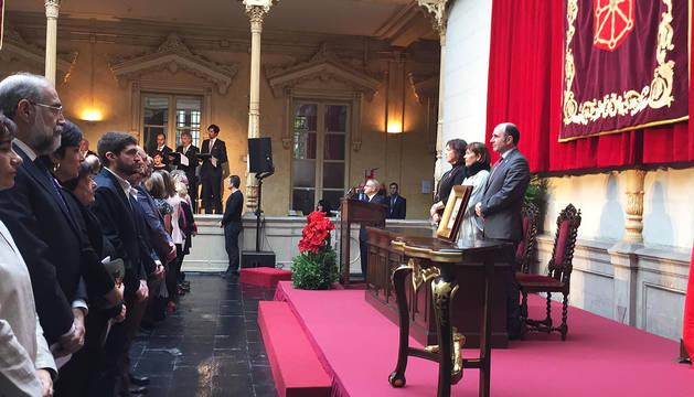 Saray recibe la Medalla de Oro de Navarra